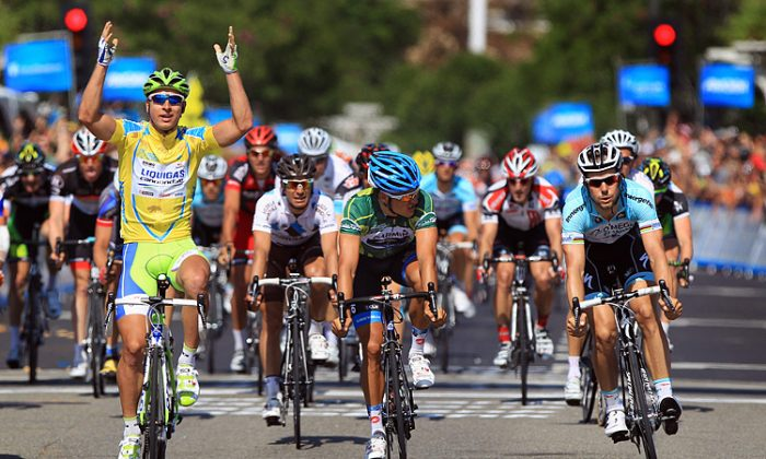 Peter Sagan barely beats beats Heinrich Haussler (R) across the line to win Stage Three. The Slovakian rider continues to show skills beyond his years in 2012 Tour of California. (Ezra Shaw/Getty Images)