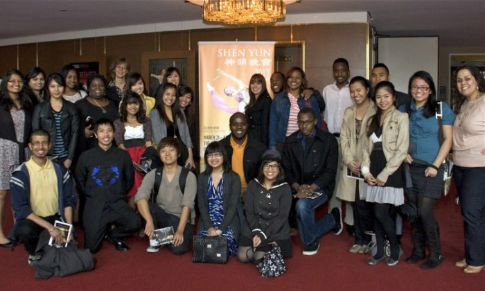 Kristin McGhee ( far R) and the Asia Awareness Club attend Shen Yun Performing Arts in Washington, on March 31. (Lisa Fan/The Epoch Times)
