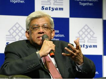 Satyam Computers board member Deepak Parekh addresses a press conference in Hyderabad, India earlier this month. India's Satyam Computer Services was recently charged with fraud and falsifying records.  (Noah Seelam/AFP/Getty Images)