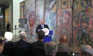 Washington Celebrates the Fall of the Berlin Wall