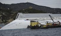 Italy Stops Underwater Rescue Mission in Cruise Ship