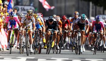 Mark Cavendish sprints for the finish line of Stage 18 of the 2010 Tour de France. (Bryn Lennon/Getty Images)