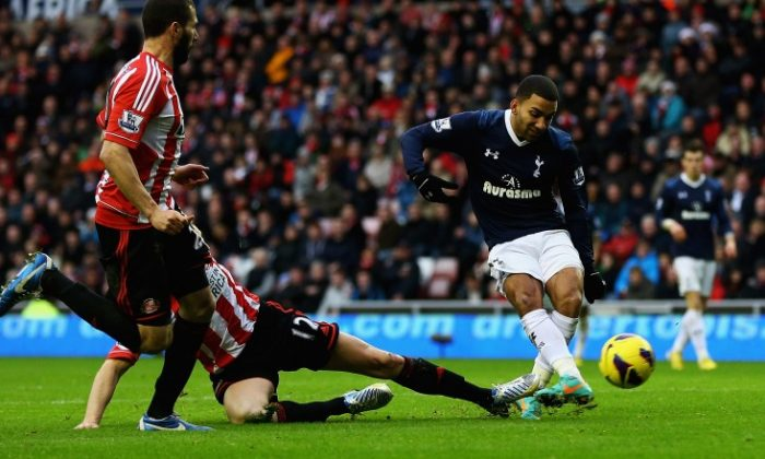 Aaron Lennon of Tottenham Hotspur scores the game-winning goal at the Stadium of Light on Saturday, Dec. 29, 2012 against Sunderland in English Premier League play. (Matthew Lewis/Getty Images)