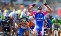 Petacchi Sprints to Stage Four Win at 2010 Tour de France