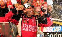 Tony Stewart Wins Third NASCAR Sprint Cup Title