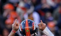 Tebow, Broncos Shock Steelers