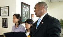 D. C. Council Member Thomas Gives Interns a Lesson in History