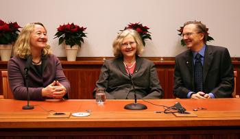 (L-R) Nobel laureates in medicine Carol W. Greider, Elizabeth H. Blackburn and Jack W. Szostak (Zhihe Li/The Epoch Times)