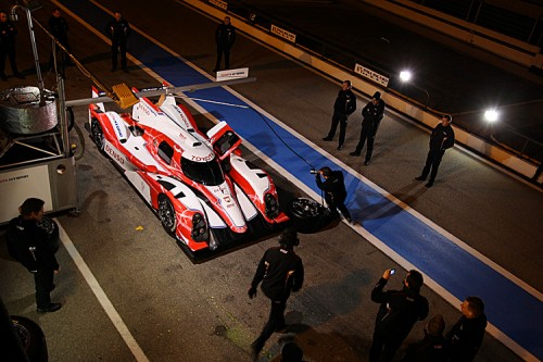 Toyota tested its pit and engineering crews as well as the car and drivers. (toyotahybridracing.com)