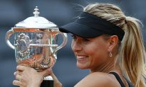 Sharapova Wins Career Grand Slam at French Open