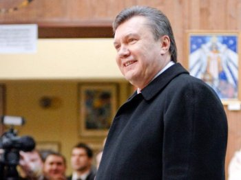 Opposition leader, and apparent winner of the Ukraine presidency, Victor Yanukovych, casts his vote in the capital of Kyiv on Feb. 7. Exit polls gave Yanukovich 49 percent of the popular vote and his rival, current Prime Minister Yulia Tymoshenko 45 percent. (Vladimir Borodin/The Epoch Times )