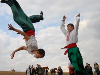 Young Ukrainians demonstrate the skills of traditional Cossack warriors at the 'Virtuous Cossacks in 2009 festival in Pirogovo, Ukraine on Oct. 3. (Vladimir Borodin/The Epoch Times)