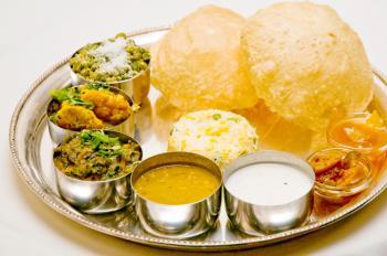 Vegetarian thali. (Mingguo/The Epoch Times)