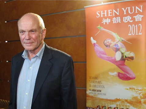 Sydney Barrister Robert Walker attends Shen Yun Performing Arts in Sydney's Capitol Theatre. (Tahnia Smith/The Epoch Times)