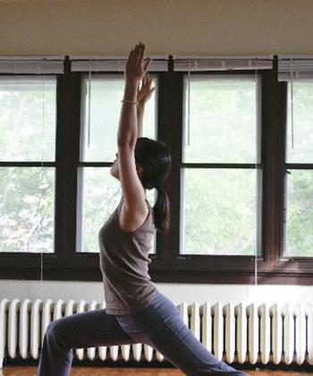 This powerful pose is not only invigorating but also can help relieve sciatic pain. (Grace Wu/The Epoch Times)