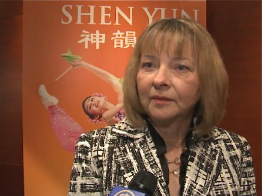 Linda Benoit at Shen Yun