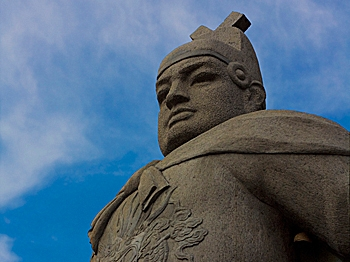 ADMIRAL: A statue of Ming Dynasty explorer Zheng He is seen at the Stadthuys Museum in Malacca, Malaysia. (High Contrast/WikiMedia Common)