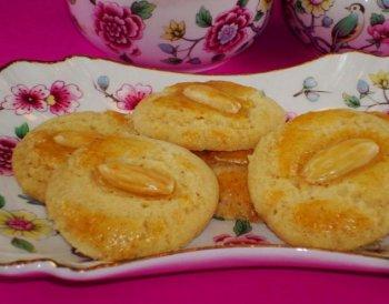 Almond Tea Cookies