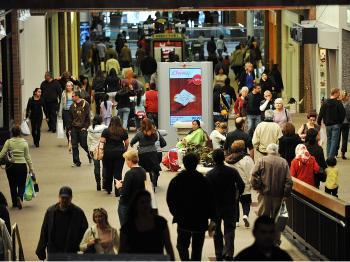 Santa's Stimulus Plan Delivered, Economists Hope
