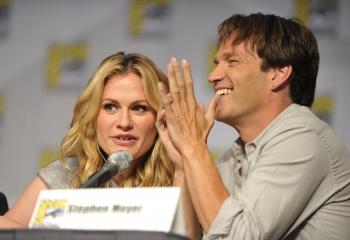 Anna Paquin (R) and Stephen Moyer attend the 'True Blood' signing at San Diego Convention Center on July 23, 2010 in San Diego, California. (Michael Buckner/Getty Images)