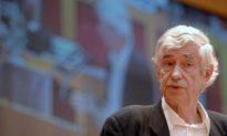 Hundreds Pay Homage to Czech Architect Jan Kaplicky