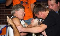 Arm Wrestlers Battle for Big Bucks