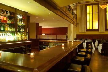 The Bar, Cozy and inviting. (Charlotte Cuthbertson/The Epoch Times)