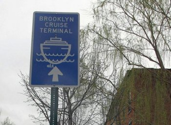 CLEANING UP THE NEIGHBORHOOD: Local residents and patrons of businesses along Van Brunt Street in North West Brooklyn will breathe easier come 2012 with reduced emissions at the nearby Brooklyn Cruise Terminal. (Tara MacIsaac/The Epoch Times)