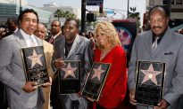 Motown Singer Bobby Rogers Dies at 73