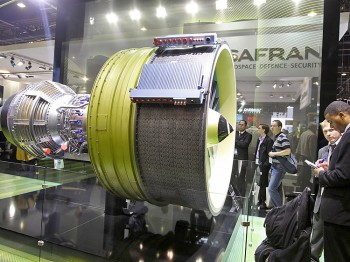 NEW ENGINE: Visitors look at the LEAP engine by CFM, selected by Airbus to power the A320neo, at the International Paris Air Show on June 22. (Pierre Verdy/AFP/Getty Images)