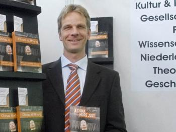 """Thomas Kalmund, publisher of Gao Zhizheng`s famous autobiography """"A China More Just"""" promised to exhibit the book during the 2009 book fair. He wants to add other books by critical Chinese authors. (The Epoch Times)"""