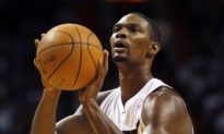 Chris Bosh, Heat Scorch Phoenix Suns 123—96