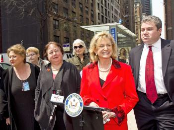 THE RIGHT SERVICE: Congresswoman Carolyn Maloney, Sen. Liz Krueger, Assemblyman Jonathan Bing and community leaders of Turtle Bay, Manhattan, speak near an M50 bus stop to celebrate the restoration of weekend service for the M50 bus. (Phoebe Zheng/The Epoch Times)