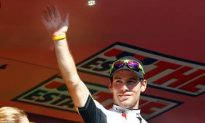 Cavendish Wins Sprint Competition in Giro d'Italia Stage 12