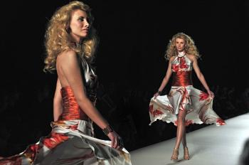PERFECT FOR DANCING: Athens Fashion Week offered this design by Nikos Takis on Oct. 25. (Aris Messinis/AFP/Getty Images)