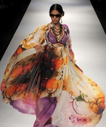 DELIGHTFULLY DRAMATIC: Designers Hemant & Nandita present this design at Wills India Fashion Week in New Delhi, Oct. 27. (Manan Vatsyayana/AFP/Getty Images)