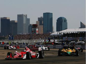 Scott Dixon leads Enrique Bernoldi, Bruno Junquiera, Graham Rahall, and Dan Wheldon around the Rexall Speedway at the Edmonton City Centre Airport during the Rexall Edmonton Indy.  (Darrell Ingham/Getty Images)