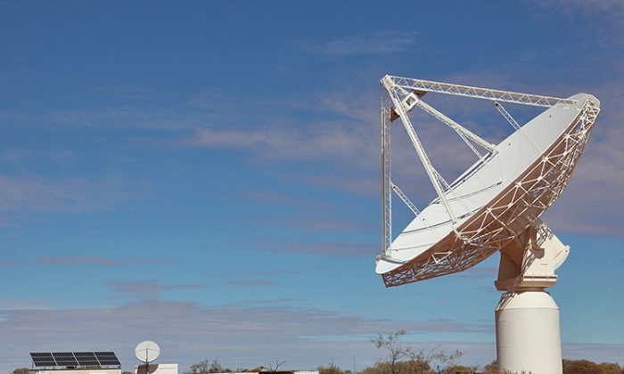 The first dish in the Australian Square Kilometer Array Pathfinder (ASKAP). The population of the Murchsion area is very small, making it an ideal location for radio astronomy. (Photography by Paul Bourke and Jonathan Knispel. Supported by WASP (UWA), iVEC, ICRAR, and CSIRO)