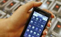 Motorola Earnings Boosted by Droid Sales
