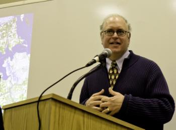 ECOLOGICAL PLANNING: Eric W. Sanderson, senior conservation ecologist at the Wildlife Conservation Society, presented the Department of City Planning with his vision of New York City's sustainable future.   (Phoebe Zheng/The Epoch Times )