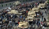 Military Presence Increases in Cairo as Protesters Persist