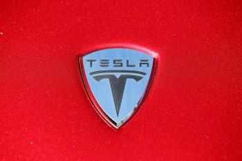 Electric Cars: Tesla Motors Gets $30 Million from Panasonic