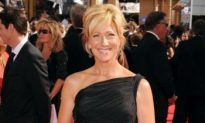Emmy Awards 2010: Edie Falco Awarded Emmy for Lead Actress in a Comedy Series