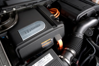 2008 Chevrolet Tahoe Hybrid engine  (Courtesy of GM Chevrolet Division)