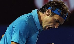Federer Cruises Past Hewitt at Australian Open