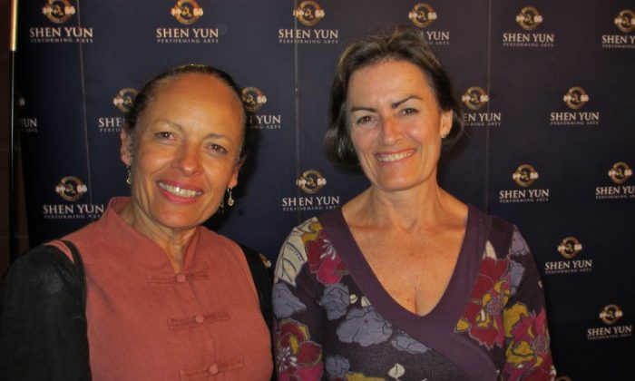 Kate Wilke and Anita McMahon attend Shen Yun Performing Arts in Sydney's Capitol Theatre. (Luke Hughes/The Epoch Times)