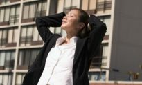 Tone Your Core Without Leaving Your Desk