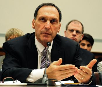 Richard S. Fuld Jr., former CEO of Lehman Brothers, testifies Oct. 6, 2008 on Capitol Hill in Washington, DC. A report has blamed risky moves and accounting 'gimmicks' for Lehman's failures. (Karen Bleier/AFP/Getty Images)