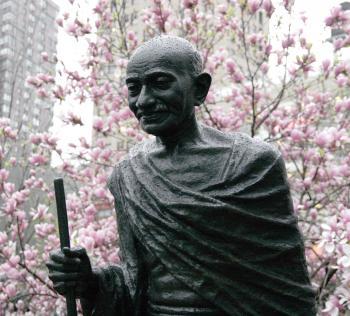 GANDHI'S SPECS: The bronze statue of Indian leader Mahatma Gandhi is missing its famous round eyeglasses. (Tim McDevitt/The Epoch TImes)