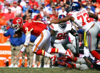 GET BACK HERE: The Giants defense limited Kansas City to less than 200 yards on offense. (Jamie Squire/Getty Images)
